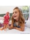 Papusa Barbie Fashionistas cu parul roz