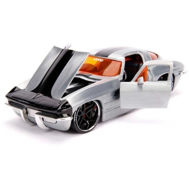 Jada Toys 20th Anniversary 1963 Chevy Corvette, macheta auto 1:24