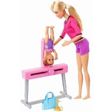 Papusa Barbie antrenoare de gimnastica - Barbie Cariere