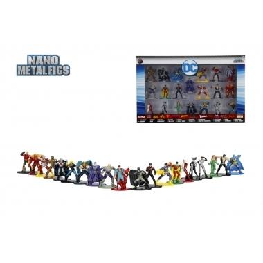 Set 20 de figurine metalice cu eroii DC Universe si figurina Black Canary inclusa